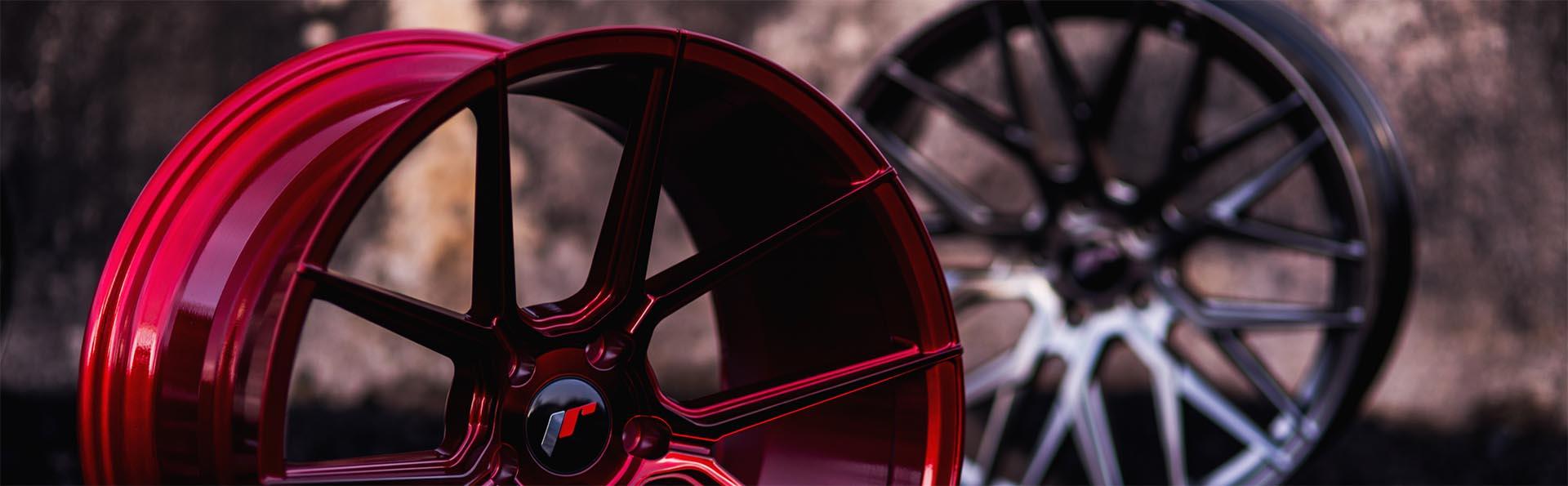 Bild på röda och snygga fälgar